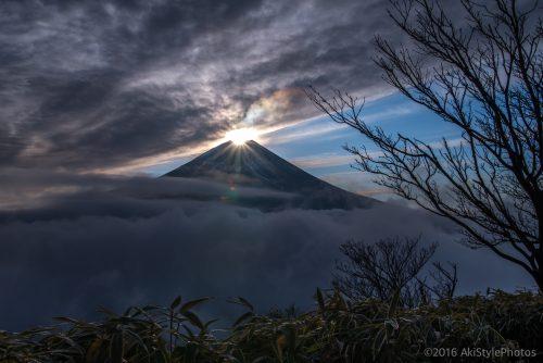正月の竜ヶ岳からのダイヤモンド富士