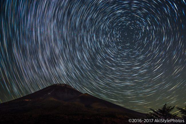 比較明合成でひと工夫!星の光跡で流れを表現する方法