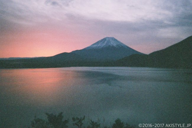 「写ルンです」で撮影した本栖湖からの富士山
