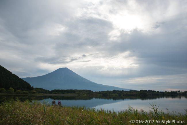田貫湖からの富士山と晴れ間