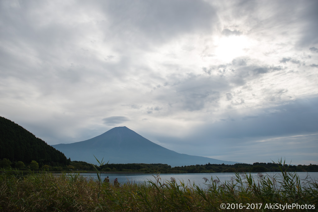 田貫湖からの富士山と吊るし雲