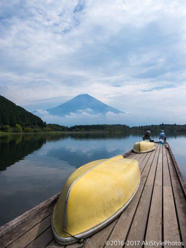 田貫湖からの富士山とボート桟橋