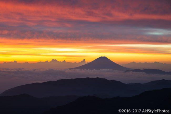 北岳からの朝焼けと富士山