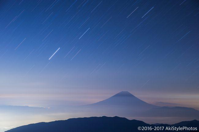 北岳山荘から富士山と星空