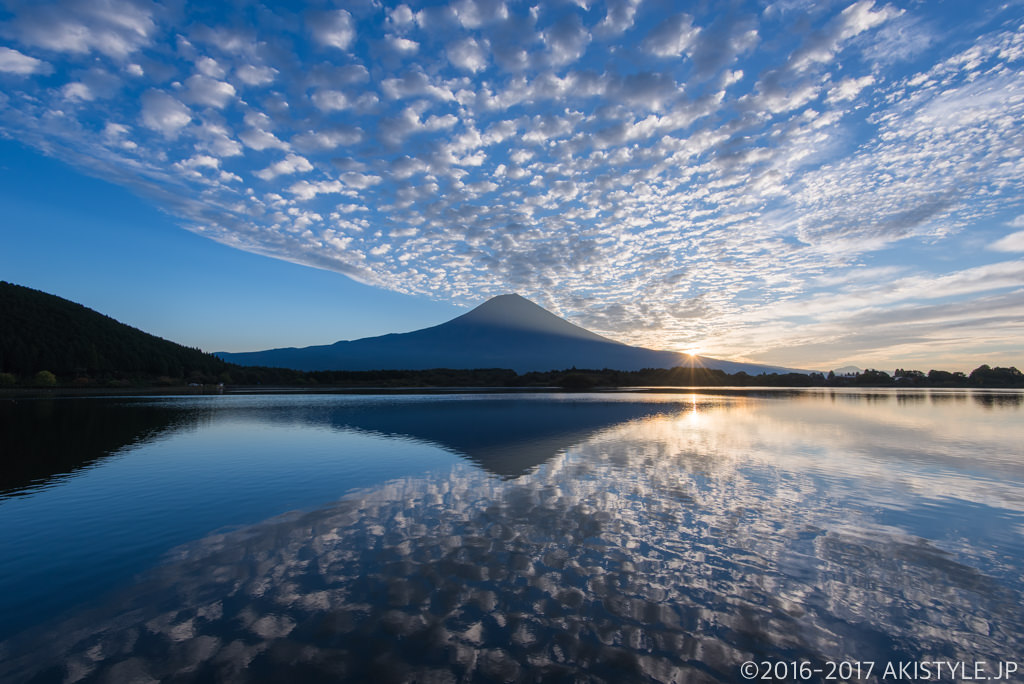 田貫湖からの御来光と富士山のリフレクション