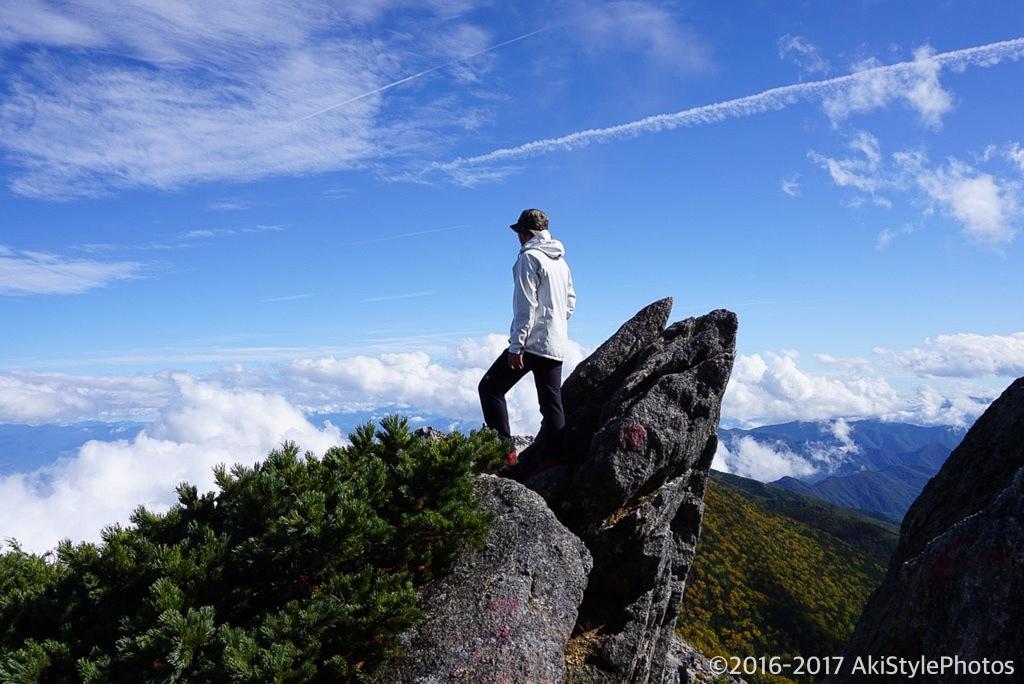 薬師岳と観音岳の縦走路