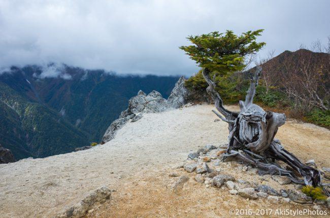 地蔵岳〜観音岳にある謎のオブジェ