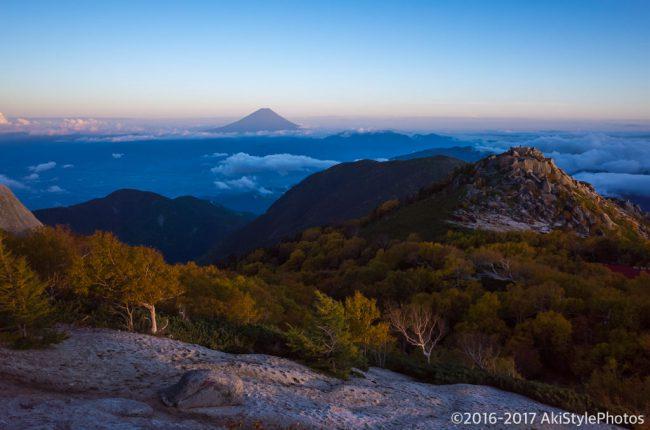 薬師岳から日没と富士山