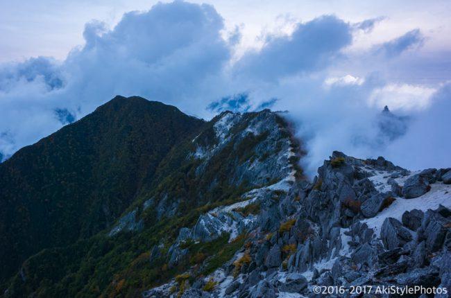 観音岳から見る地蔵岳とオベリスク
