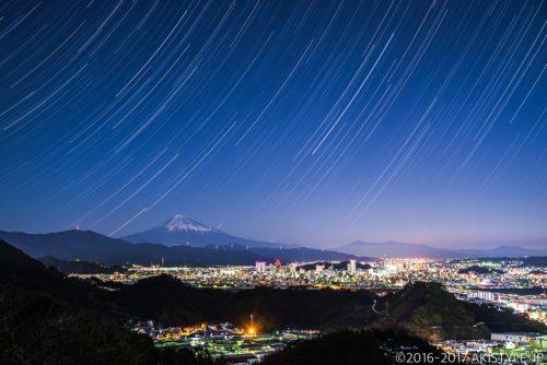 静岡市の夜景と富士山を比較明合成