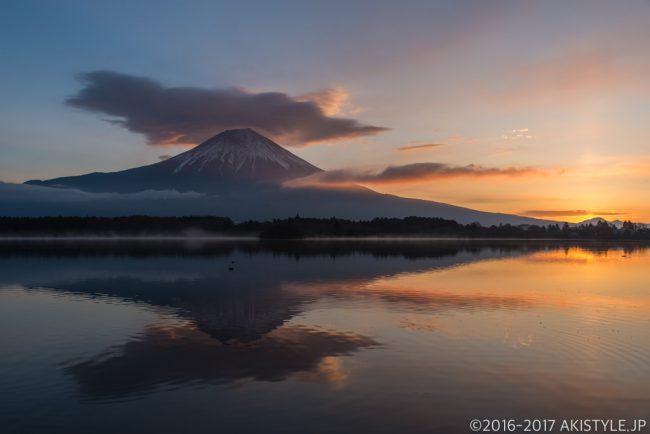 田貫湖の日の出と富士山とサンピラー
