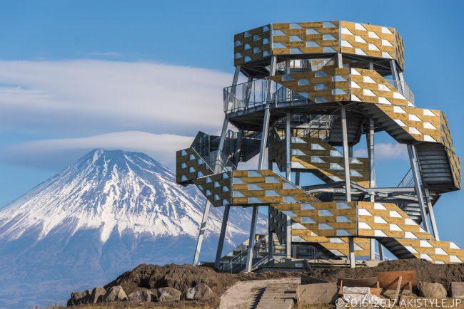 田子の浦みなと公園からの富士山と笠雲