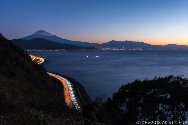 薩埵峠のレーザービームと富士山