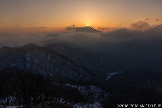 富士山の日、塔ノ岳からのダイヤモンド富士
