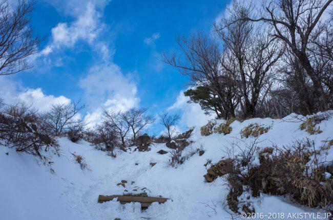 積雪した塔ノ岳