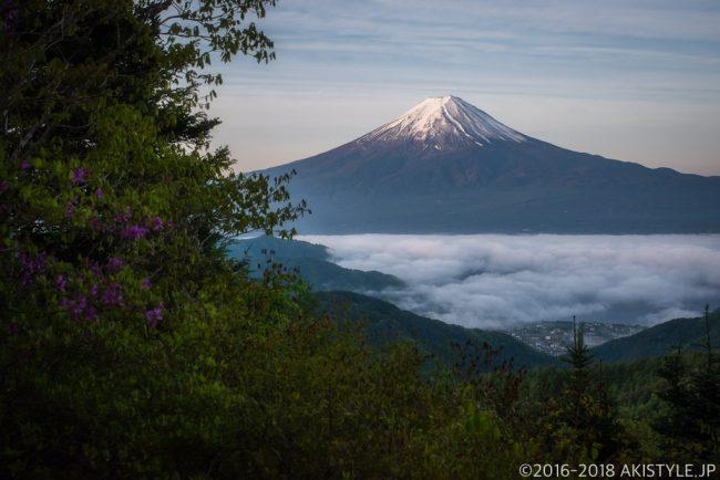 御坂山から見た富士山と雲海