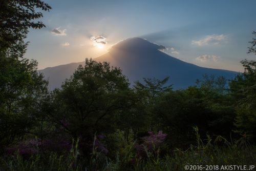 長者ヶ岳への登山道から見る富士山と日の出