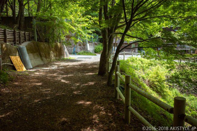 天下茶屋前の登山口