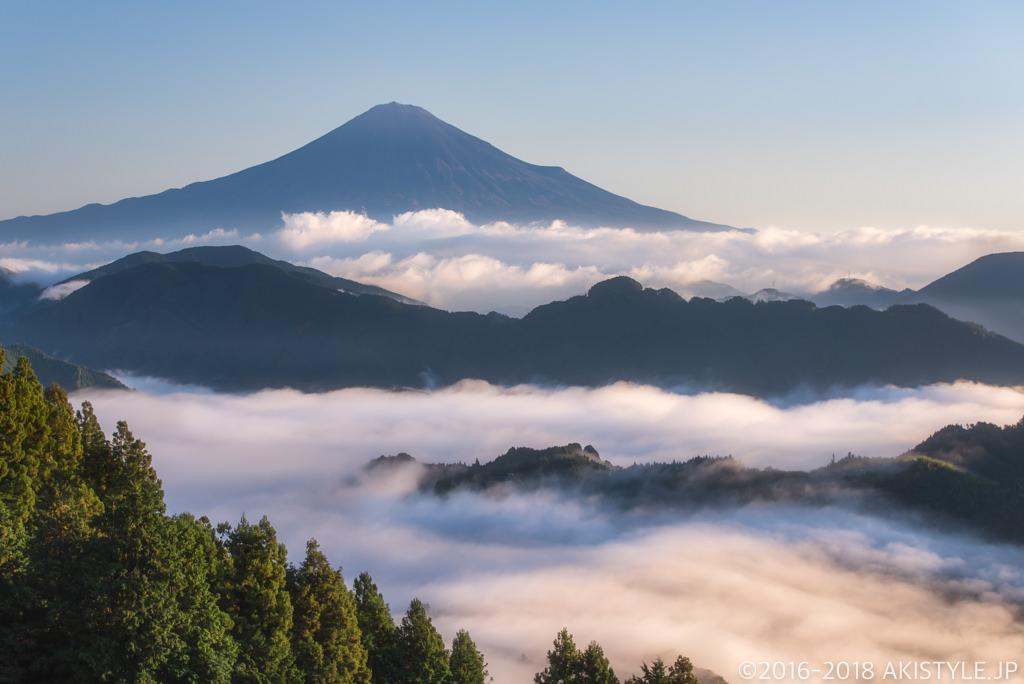 清水区吉原の雲海と富士山