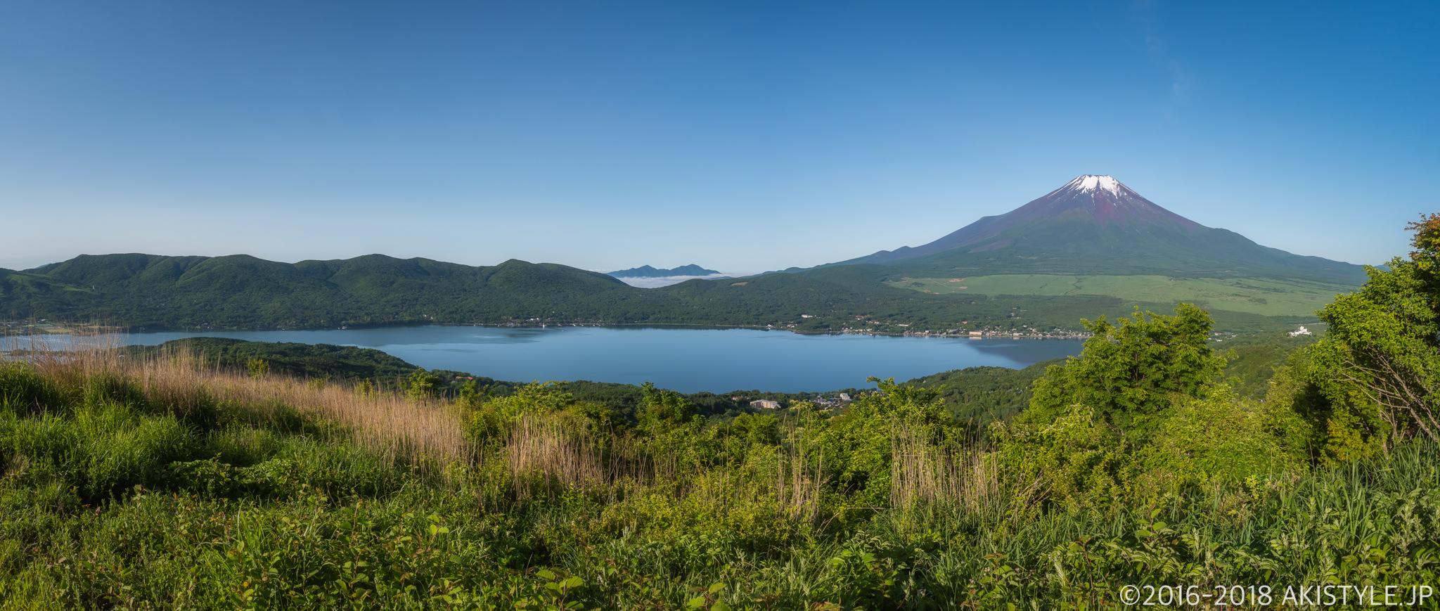 大平山から見た山中湖と富士山