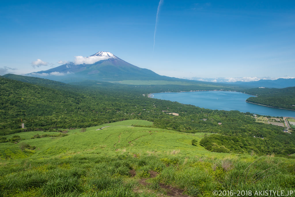 鉄砲木ノ頭から見る富士山と山中湖