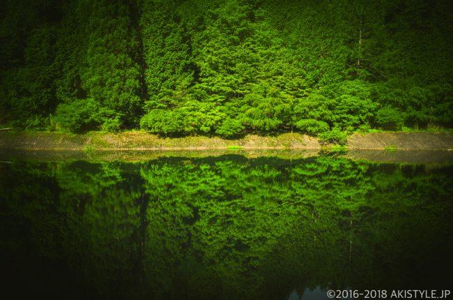 石割山の貯水池