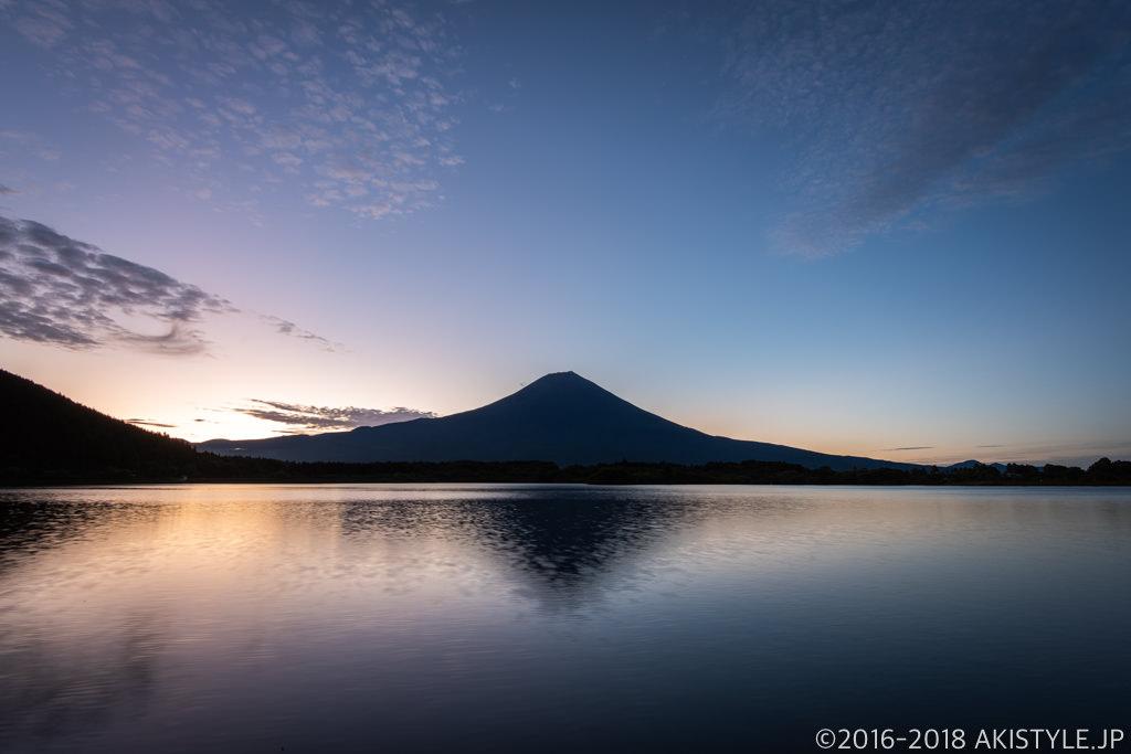 田貫湖の夜明けと富士山