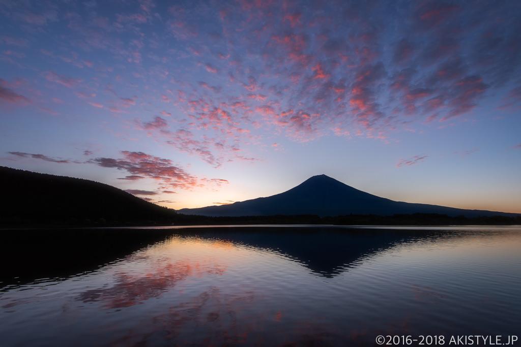 田貫湖の朝焼けと富士山