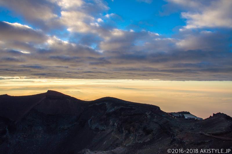 富士山頂からの景色