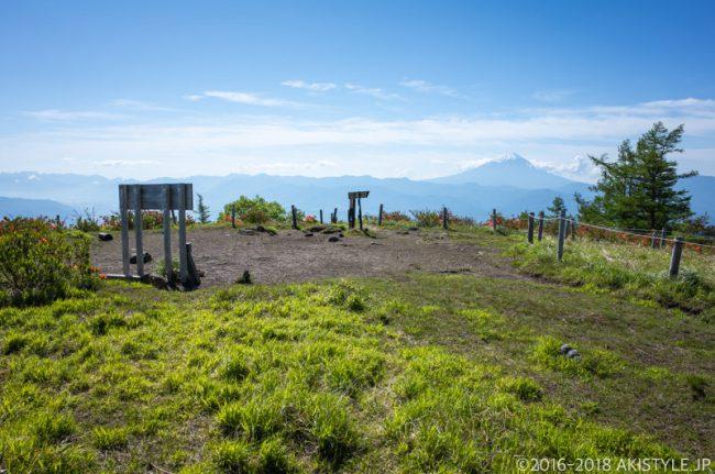 甘利山の山頂