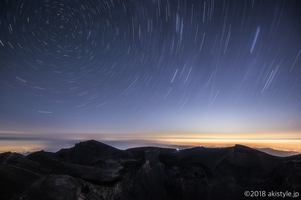 富士山剣ヶ峰から北極星