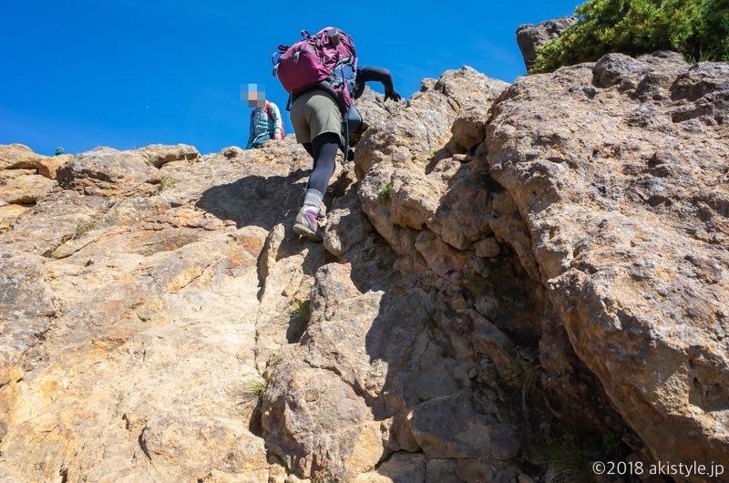 横岳の登山道