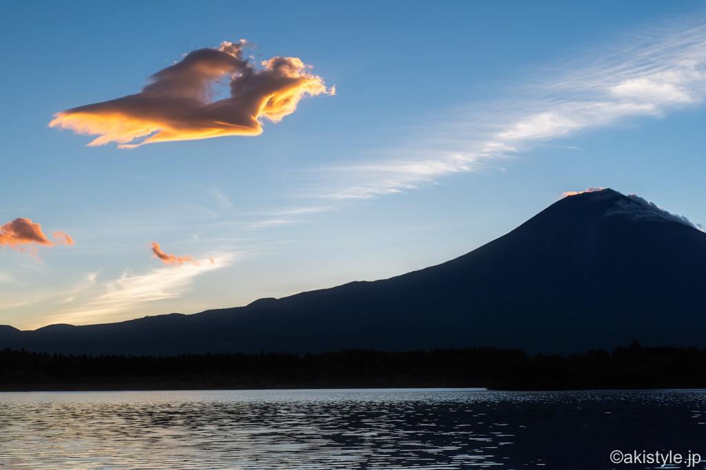 田貫湖で見た女神雲と富士山