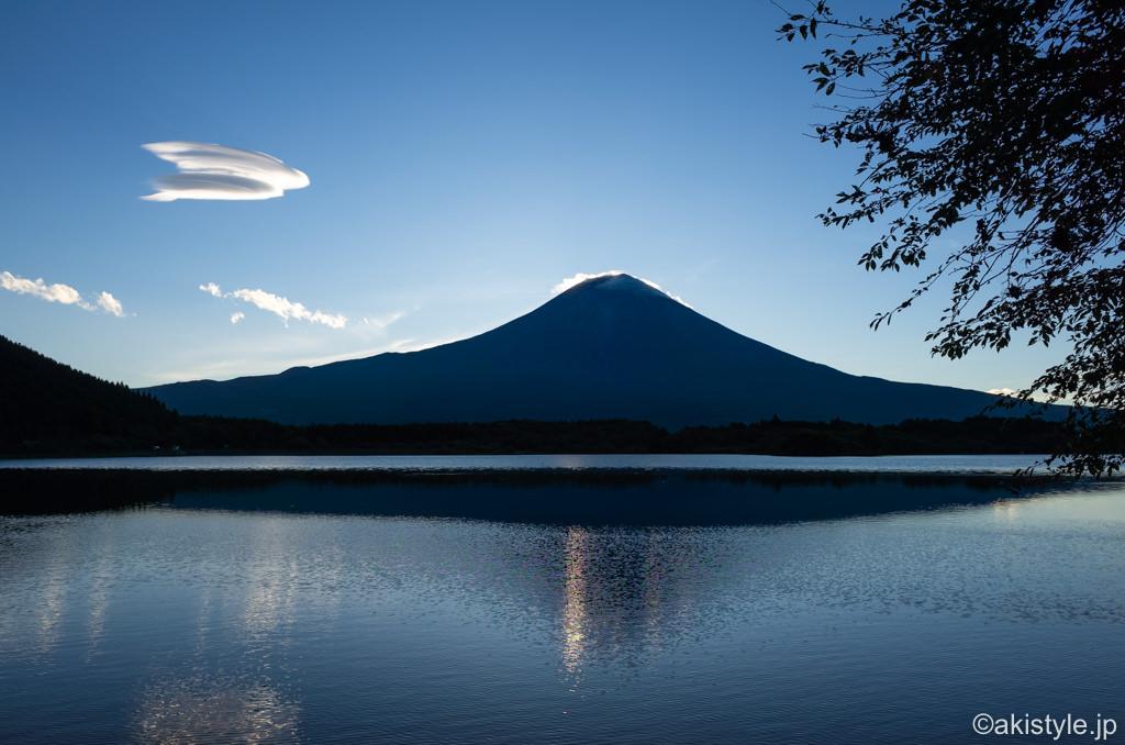 田貫湖から見る富士山と吊るし雲
