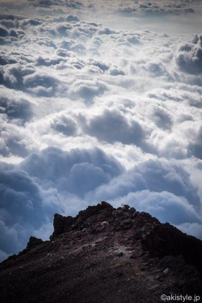 剣ヶ峰から見た三島岳と雲海