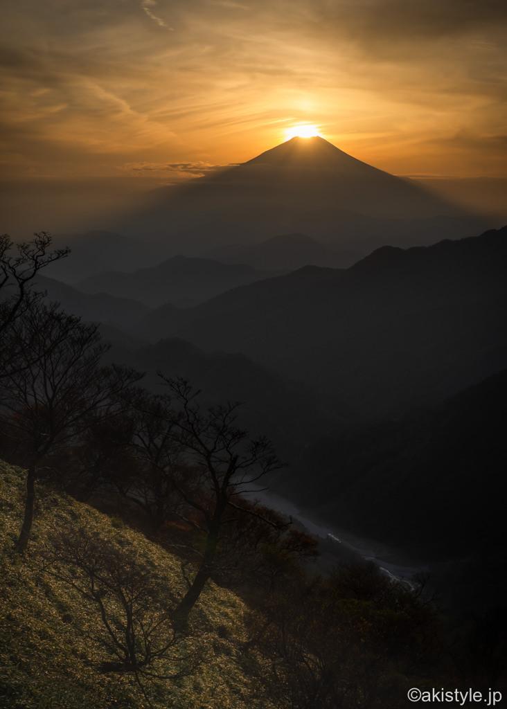 丹沢山域からのダイヤモンド富士