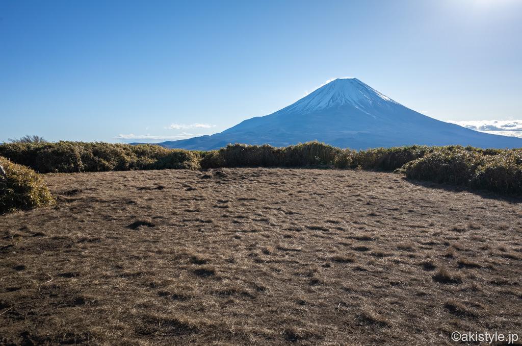 竜ヶ岳山頂と富士山