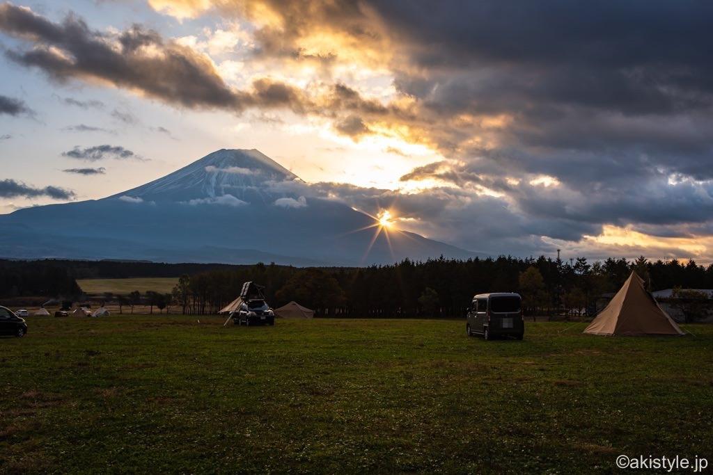 ふもとっぱらで富士山と日の出
