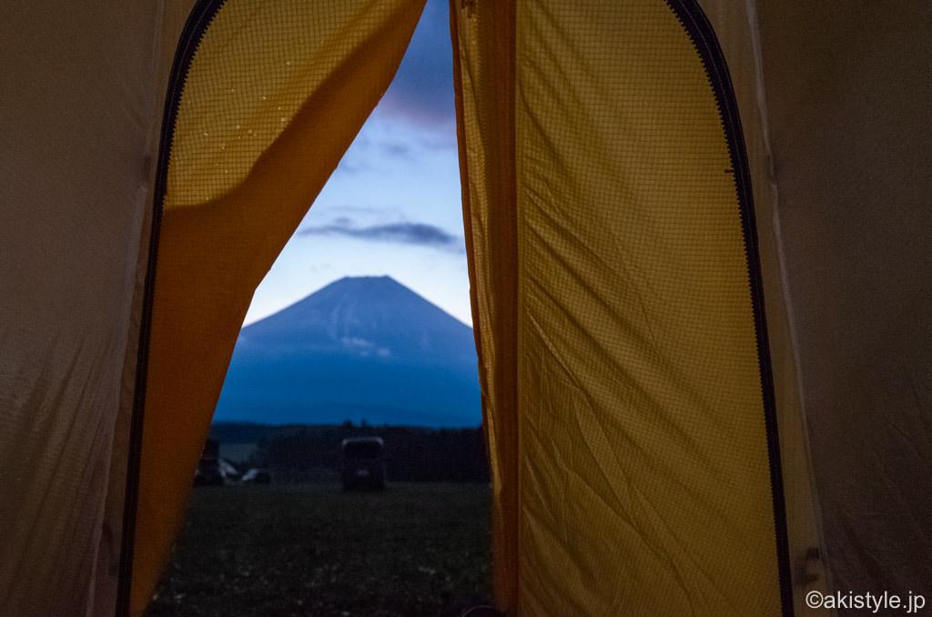 テントから見える富士山