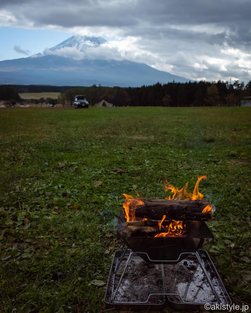 焚き火と富士山