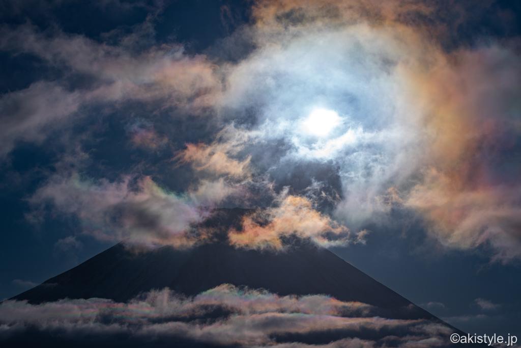 富士山と彩雲