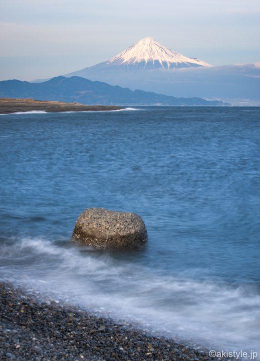 海辺と富士山