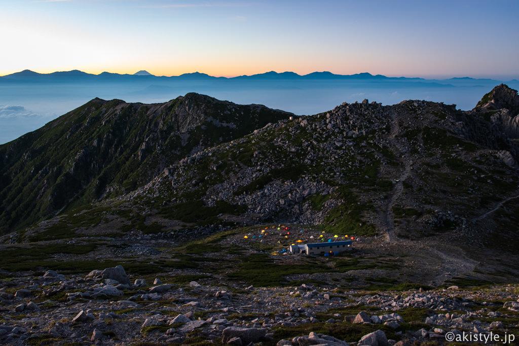 木曽駒ヶ岳の夜明け
