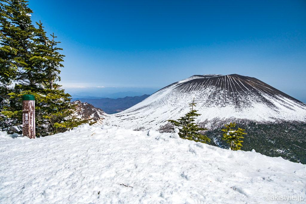 黒斑山から見る浅間山