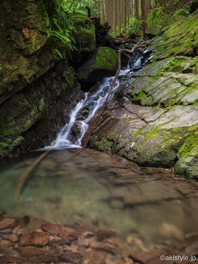 竜爪山肝冷しの滝